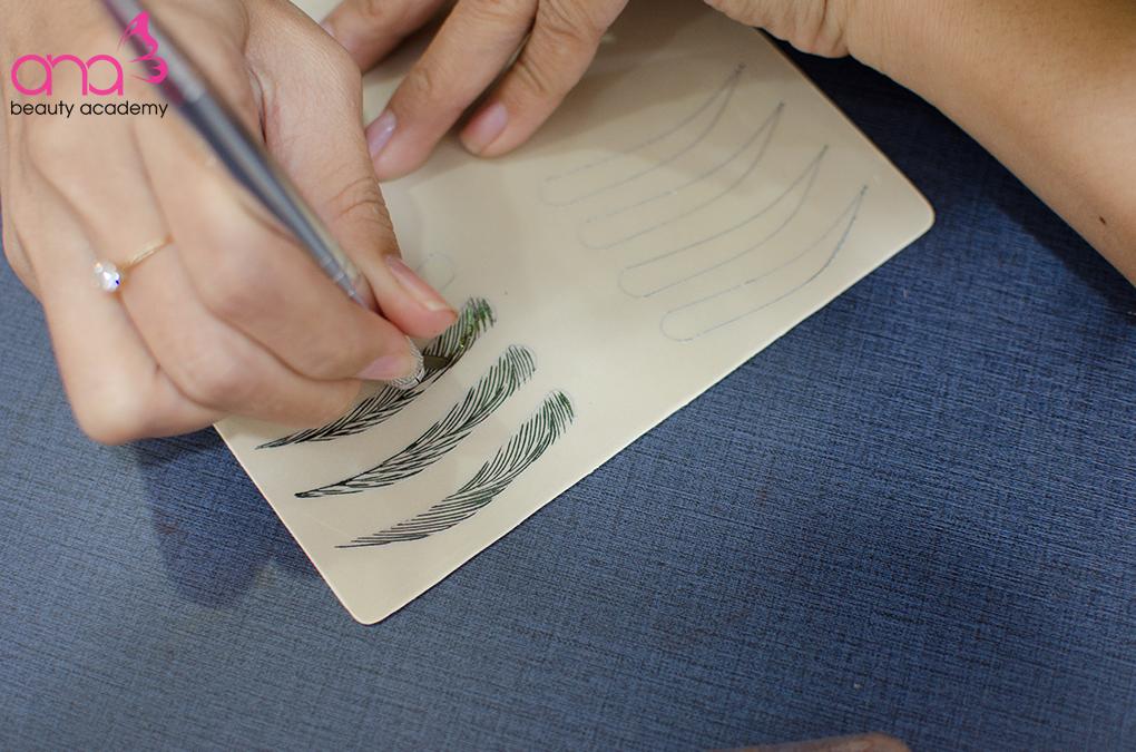 Có nên học phun xăm thẩm mỹ không – Tương lai của nghề phun xăm hình 2