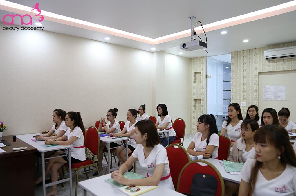 Đặc điểm nhận biết một trường đào tạo spa chuyên nghiệp TPHCM hình 2