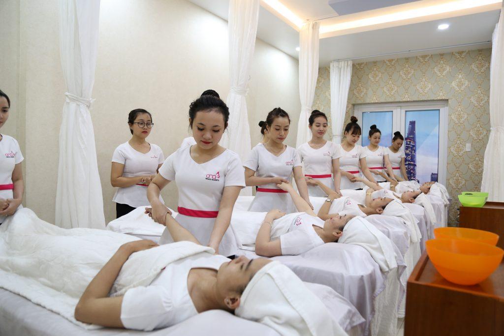 Tâm sự của một nữ kĩ thuật viên học nghề massage sắp vào nghề hình 2