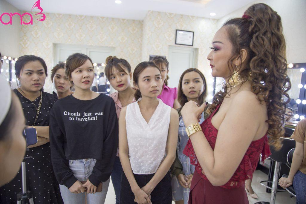 học makeup cá nhân miễn phí